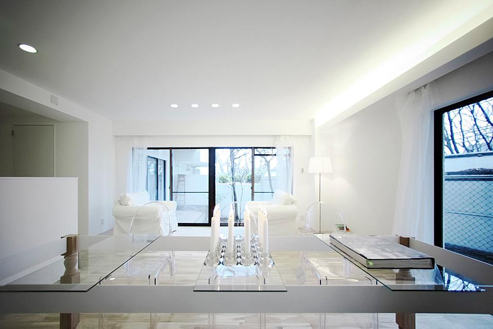 白い極みの館